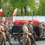 Prezydent mówi o przywróceniu godności Polsce