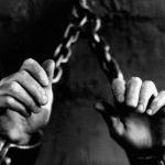 Kaszuby: zamknął żonę w piwnicy i karmił chlebem ze spermą. Jej gehenna trwała cztery lata!