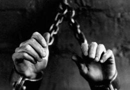 17 lat, ubera, obrożę, chlewa, zwłokom, gej, seksualną niewolnicą, spermą, i, żony męża brzuchem udusiła