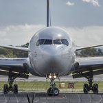 Tajny samolot USA lądował na Okęciu. Mnóstwo teorii spiskowych