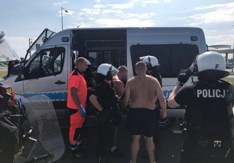 Ustawka kiboli! Z rąk policji padły STRZAŁY – są ranni