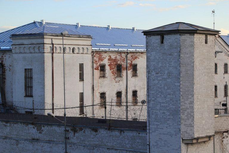 MASOWA ucieczka z więzienia! 90 groźnych przestępców znajduje się na wolności! (FOTO)
