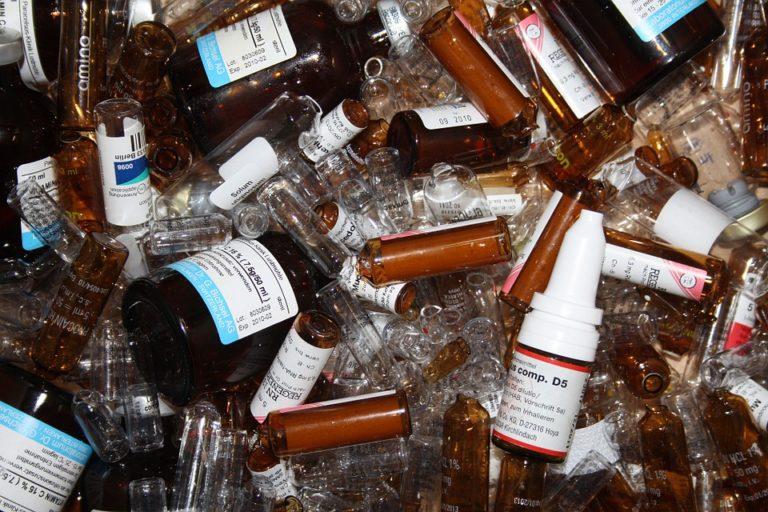 Antybiotyk na grypę i przeziębienia WYCOFYWANY Z APTEK z powodu przekroczonej wartości zanieczyszczeń!