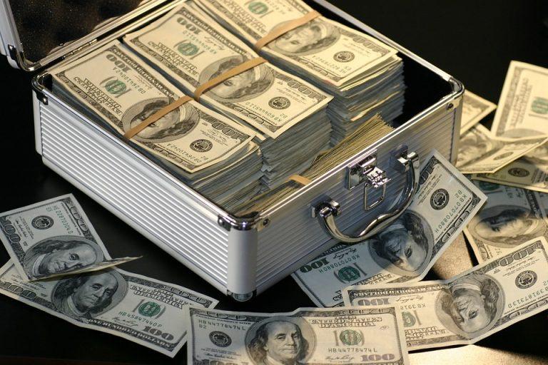 Narzekasz na swoje zarobki? OTO DOBRZE PŁATNE ZAWODY, które nie wymagają studiów