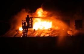 2-latka, pożar, straż pożarna, ogień, kamienicę