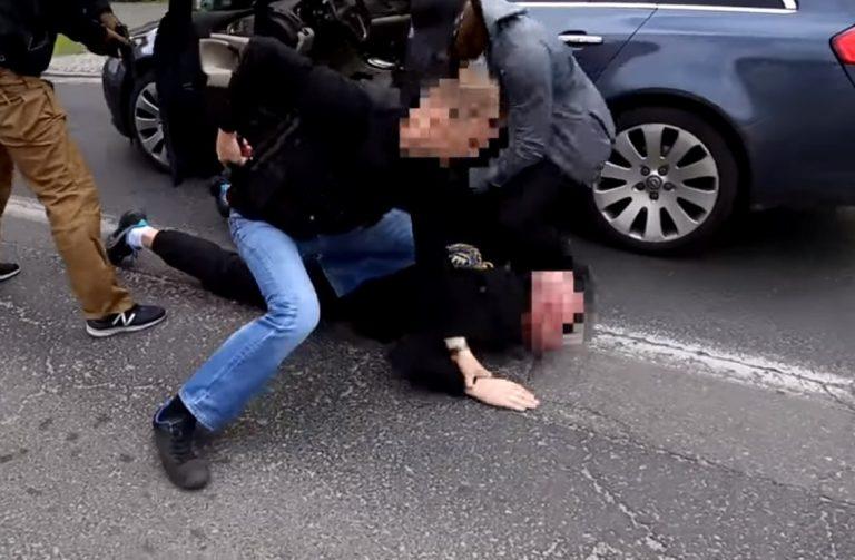 Świat stanął na głowie: gang złodziei kradł samochody w Polsce i sprowadzał do Francji! Złodzieje zarobili MILIONY!