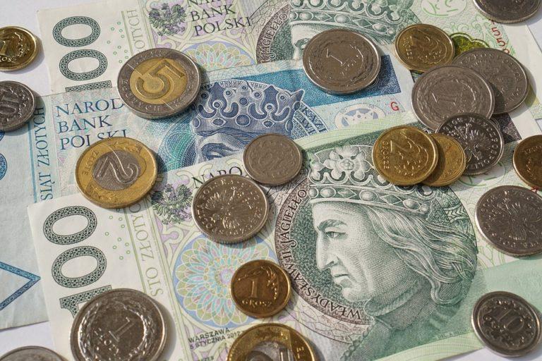 15 MILIONÓW POLAKÓW ma konta w tych bankach. W przyszłym roku czekają ich OGROMNE ZMIANY! Czegoś takiego na naszym rynku jeszcze nie było!