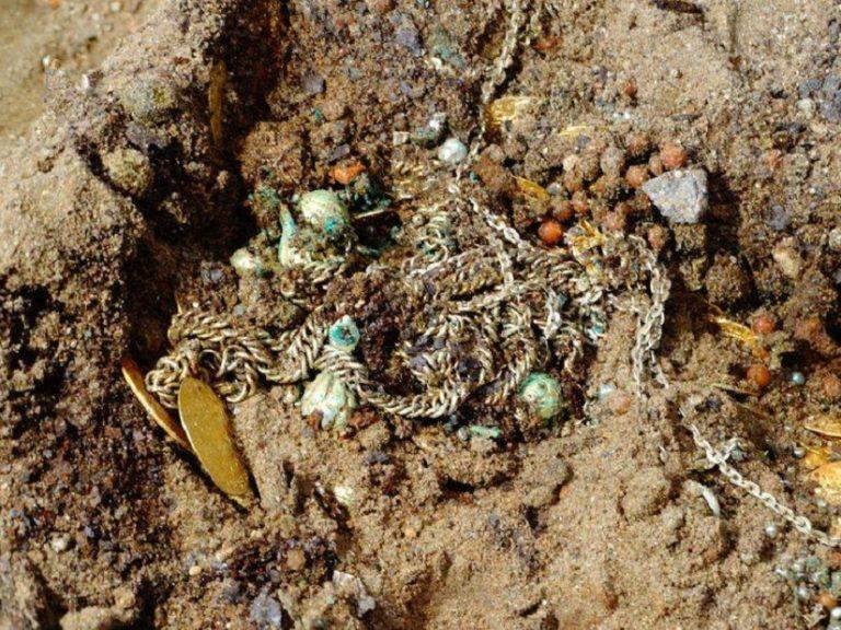 W BYDGOSZCZY odnaleziono WSPANIAŁY SKARB! Przez setki lat nikt go nie odkrył choć był na wyciągnięcie ręki! [FOTO]