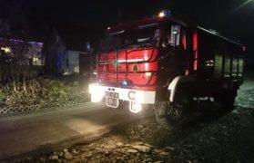 wóz strażaków, strażacy