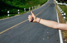 7 lat w trumnie, autostop