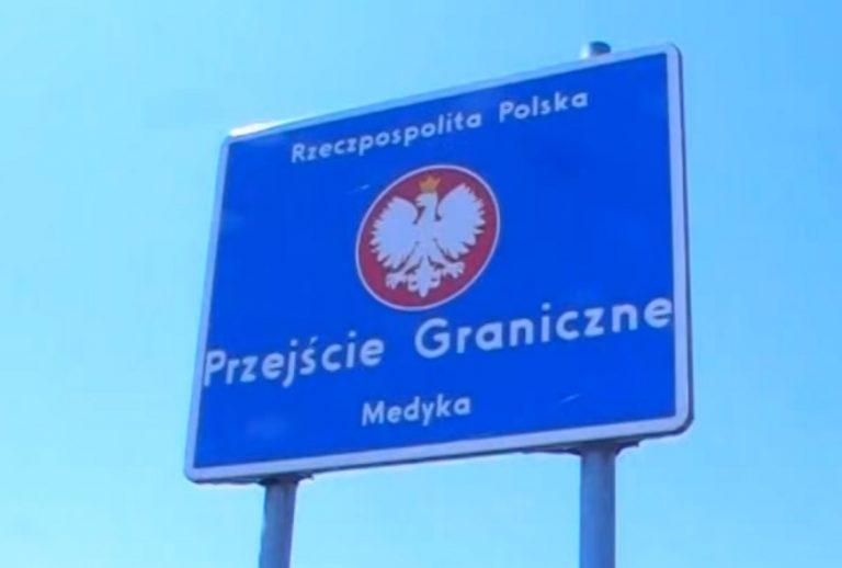 Niemiec chciał się dostać na Ukrainę, więc udawał Czecha na polskiej granicy! Jego tłumaczenia zwalają z nóg!