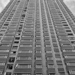 Katowice: 27-latek wyskoczył przez okno. W mieszkaniu dokonano makabrycznego odkrycia!