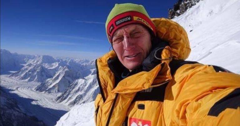 """Denis Urubko SAMOTNIE prze na szczyt K2. """"Nie ma z nim kontaktu radiowego"""" – czy desperacki atak ma sens? NOWE INFORMACJE"""