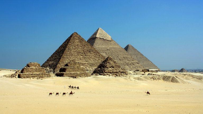 Egipskie zabytki wkrótce przestaną istnieć! Wszystko przez… SMARTFONY!