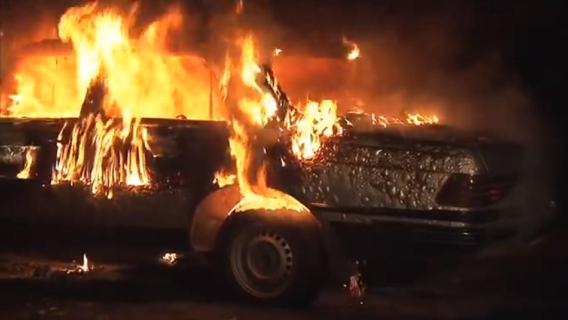 pożaru auta, samochód, trzęsówka, pożar, auto, straż, ogień, policja
