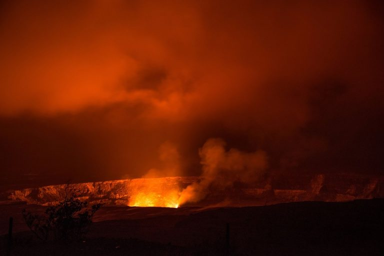 USA. Superwulkan Yellowstone budzi się do życia? To byłby światowy kataklizm!