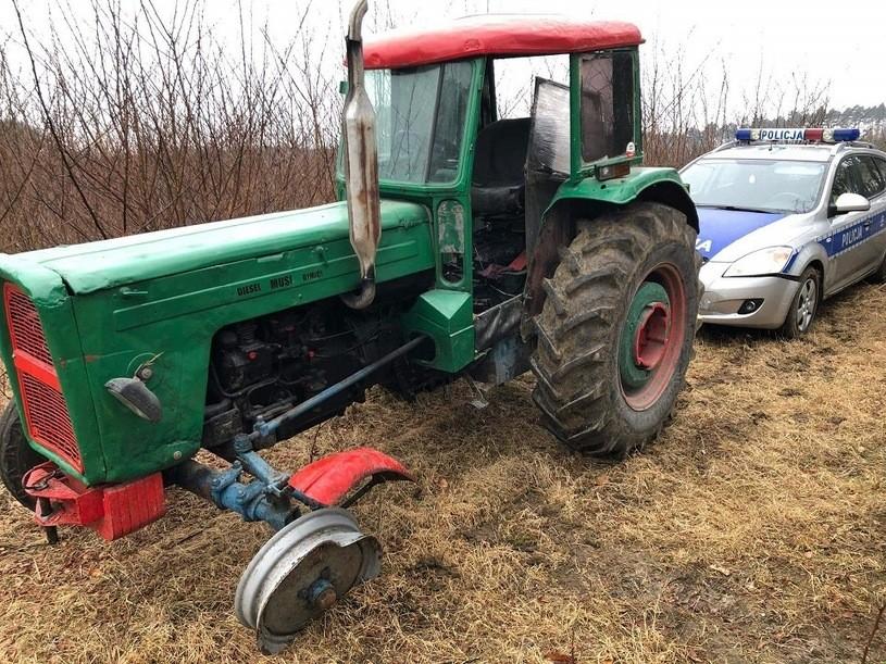 traktor, traktorem, policja, ucieczka, pościg, drogówka