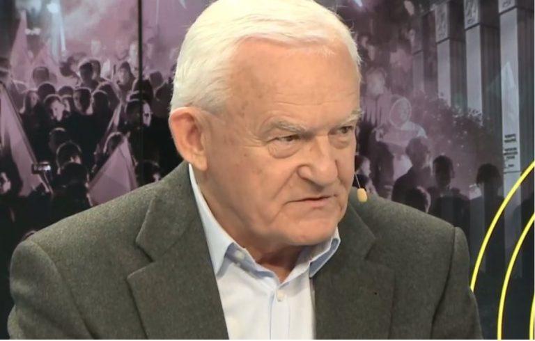Leszek Miller OSTRO o Andrzeju Dudzie i bojkocie Mundialu! Jego felieton został opatrzony kontrowersyjnym fotomontażem