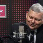 """Marek SUSKI w SZAMPAŃSKIM nastroju. Dziennikarka ZAŻENOWANA: """"Panie ministrze, to już przekracza chyba ramy """"luzu""""[VIDEO]"""