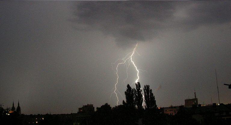 UWAGA! Nadciąga załamanie pogody – dla 10 województw wydano OSTRZEŻENIA! ZOBACZ co nas czeka
