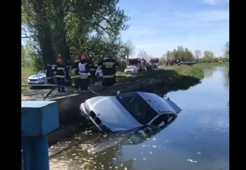 wypadek, samochód, zwłoki, straż, woda, rzeka, warta,