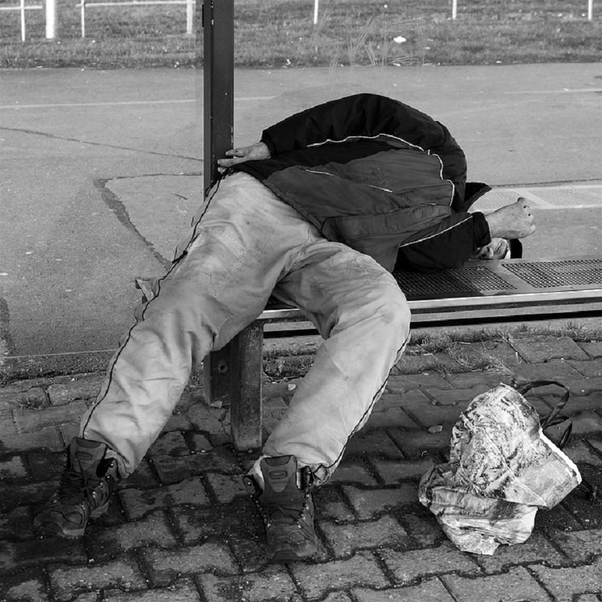 pijany mezczyzna, bezdomnych, zwłoki