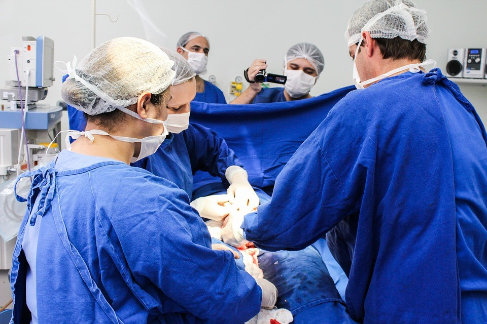 porody, dramat na porodówce, lekarka