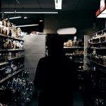 Władze zadecydowały – w nocy ALKOHOLU NIE KUPISZ! OD 24 do 6 rano sklepy z zakazem sprzedaży trunków