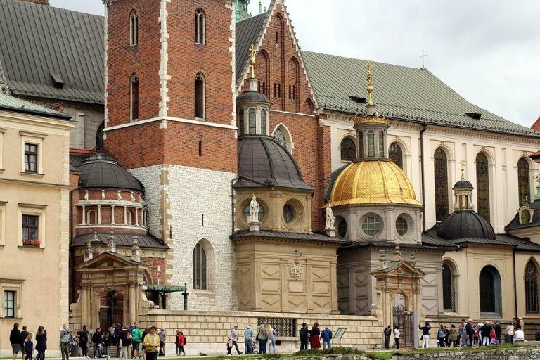 Otworzyli starą kryptę na Wawelu. Wkrótce zaczęli umierać w tajemniczych okolicznościach