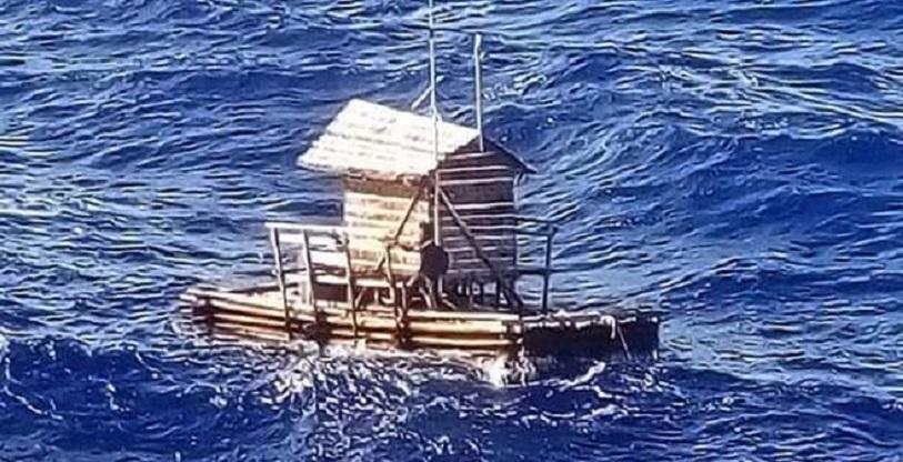 49 dni dryfował po oceanie
