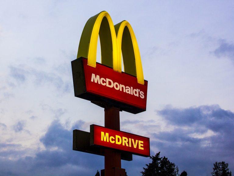 Tego NIGDY nie zamawiaj w McDonald's. Były pracownik zdradza sekrety firmy