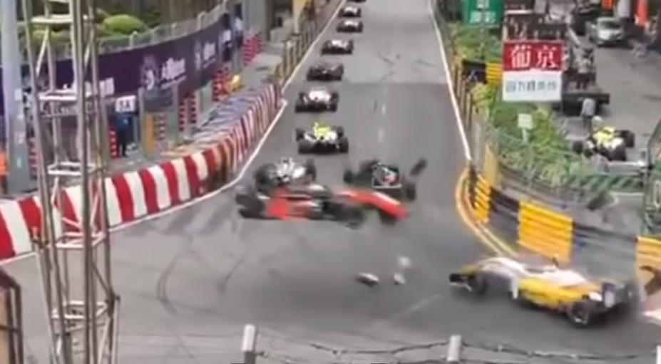 bolid formuły 3 wypadek