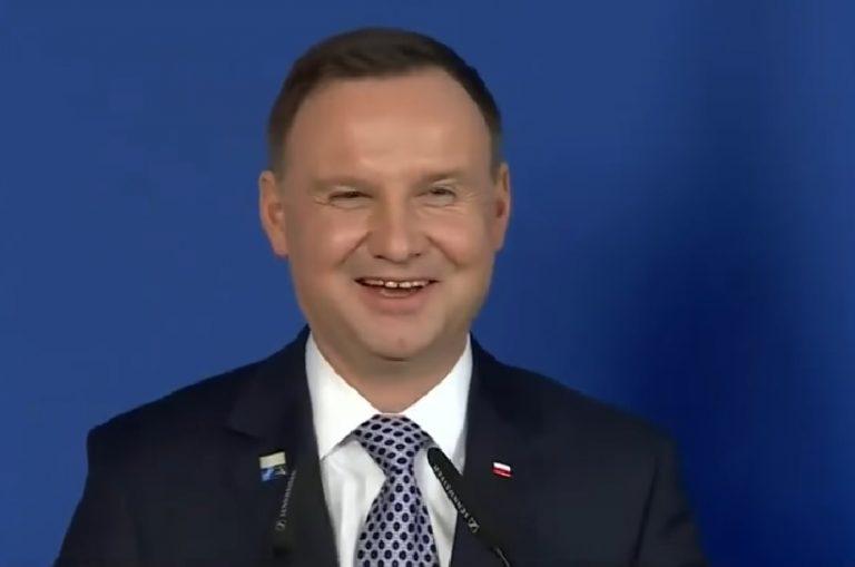 """Andrzej Duda opowiedział żarcik. """"Będę brutalny, ale …"""""""