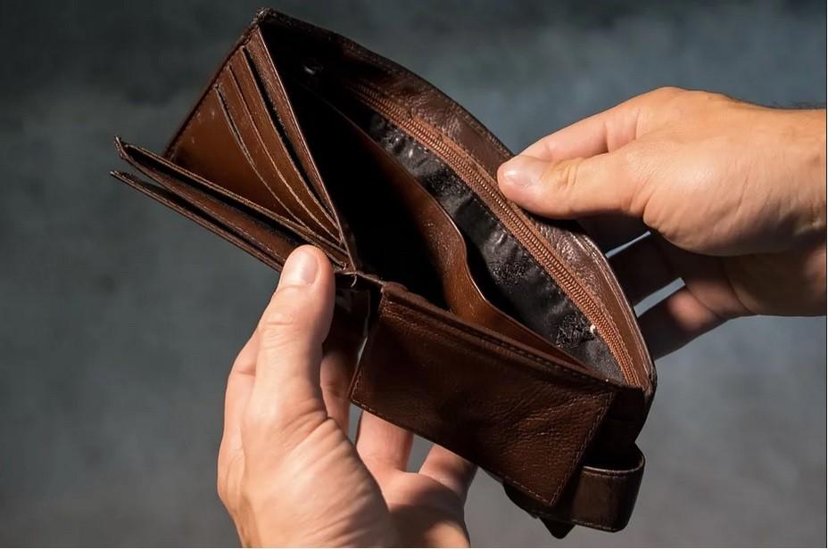 kolejna podwyżka pieniądze portfel