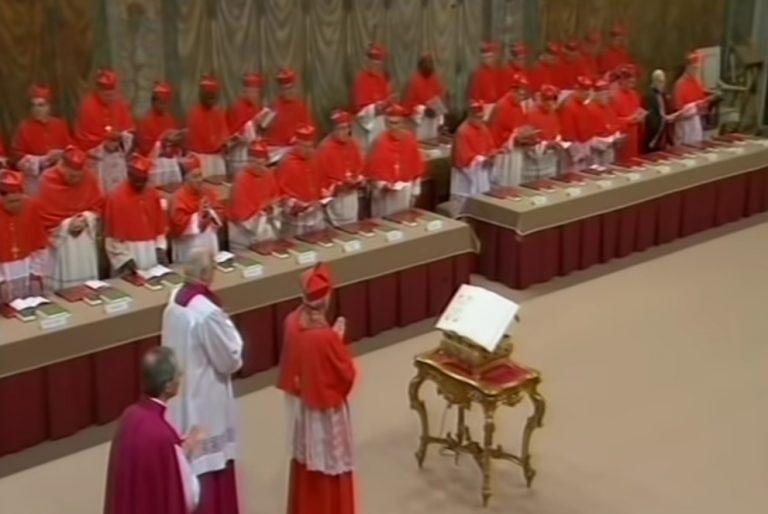 """Watykan: Obradom konklawe będzie przewodniczył kard. Giovanni Battista Re. """"Nowy papież…"""""""