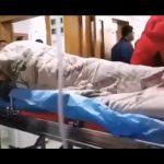 KORONAWIRUS z Chin. Pokazali co dzieje się z ciałem zarażonej osoby!
