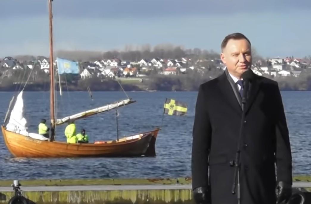 Andrzej Duda został poniżony przez tłum nad morzem