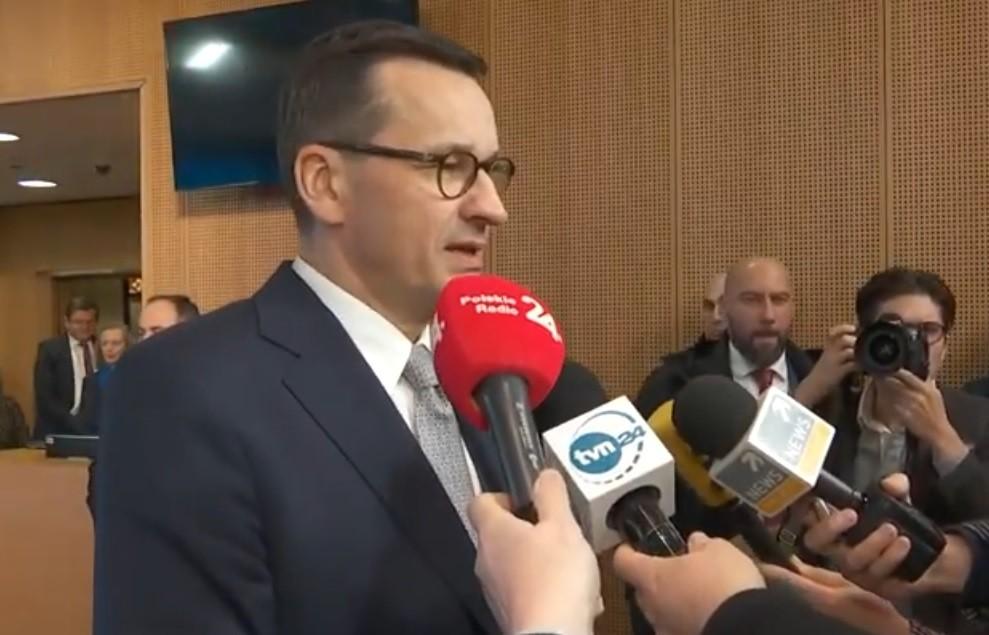 Mateusz Morawiecki pojedzie do Smoleńska