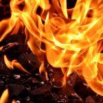 Dwulatka płonęła żywcem przed własnym domem. W międzyczasie jej ojciec…
