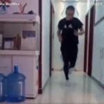 Przebiegł MARATON we własnym DOMU! Jak i dlaczego to zrobił? (VIDEO)