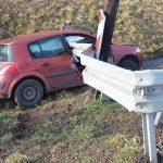 Miała chronić, a doprowadziła do tragedii. Straszliwy wypadek na Podkarpaciu – bariera przebiła auto na wylot!