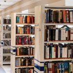 Nudzisz się w czasie pandemii? Sięgnij po te książki! AKCJA #ZOSTAŃWDOMU