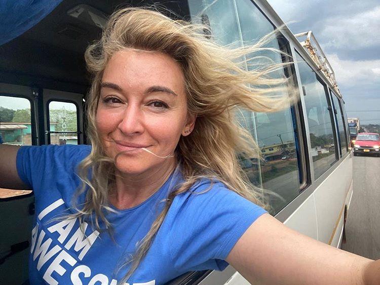 """Martyna Wojciechowska zażartowała z rozbieranych zdjęć. Sama też pokazała się """"nago""""! (FOTO)"""