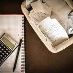 Drastyczne obniżki pensji! Pierwsze przypadki walki z kryzysem