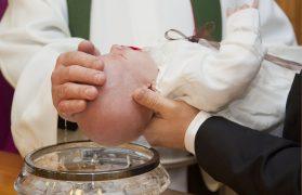 zorganizowali chrzciny