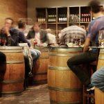 Toruń: Klienci byli wpuszczani do pubu tylnymi drzwiami! Teraz muszą liczyć się z poważnymi konsekwencjami!