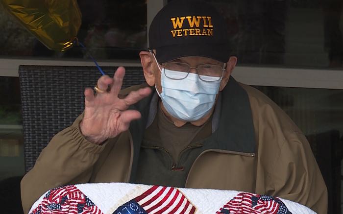 Weteran II wojny światowej pokonał koronawirusa, a wcześniej hiszpankę! Jego rodzina podejrzewa, że…