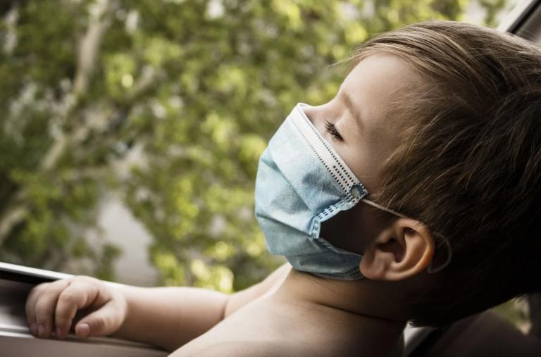 Złe wieści! Chodzi o dzieci zarażone koronawirusem…