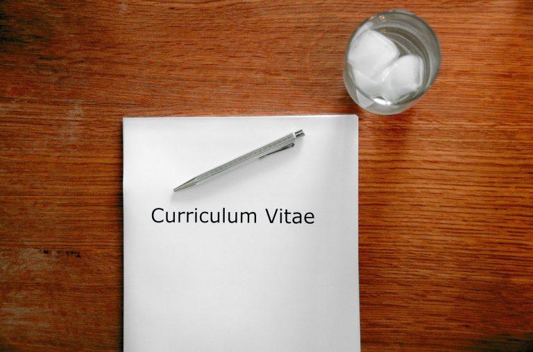 Szukasz pracy? To TYM chwalą się Hiszpanie w curriculum vitae!