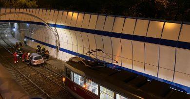 Polak sparaliżował stolicę Czech! Wjechał do tunelu tramwajowego.
